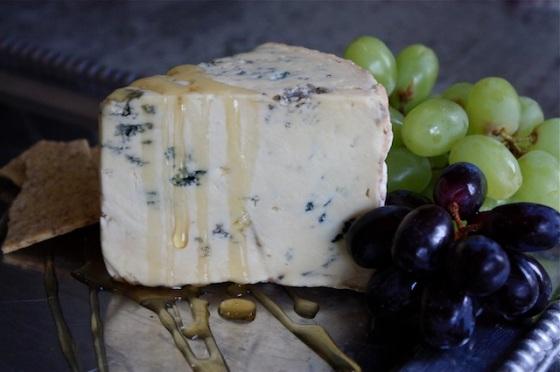 mėlynasis sūris su medumi
